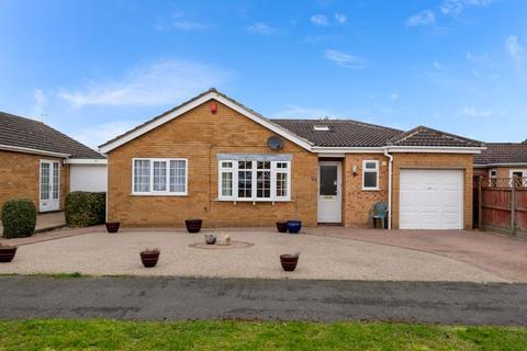 4 bedroom bungalow for sale - 17 Earlsfield, Branston. LN4 1NP