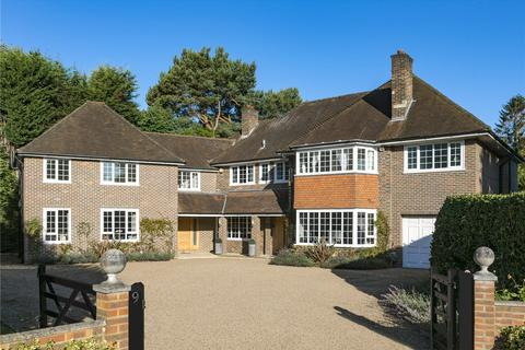 6 bedroom detached house - Copsem Drive, Esher, Surrey, KT10
