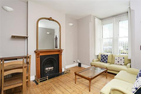 3 bedroom flat for sale - Birdhurst Road, London, SW18