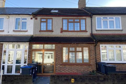 4 bedroom terraced house for sale - Estcourt Road, London