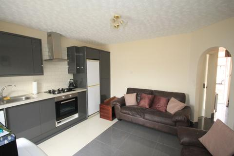 3 bedroom end of terrace house to rent - St Catherine's Avenue Luton