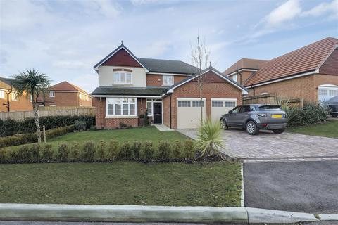4 bedroom detached house for sale - Parker Avenue, Eastchurch, Sheerness