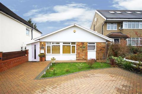 3 bedroom bungalow for sale - Cavendish Road, Barnet, Hertfordshire