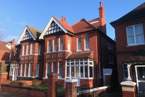 Property to rent - Vallance Gardens, Hove