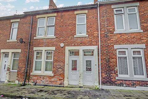3 bedroom flat - Elsdon Terrace, North Shields, Tyne and Wear, NE29 7AS