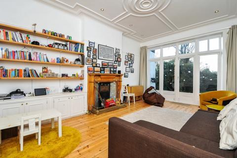 1 bedroom flat to rent - Church Crescent Muswell Hill N10