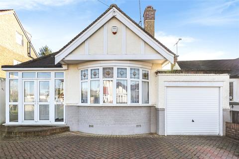 3 bedroom bungalow for sale - Stanford Close, Ruislip, Middlesex, HA4