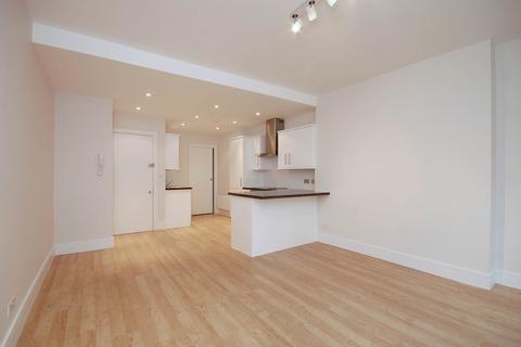 Studio to rent - Marylebone High Street, Marylebone, London W1