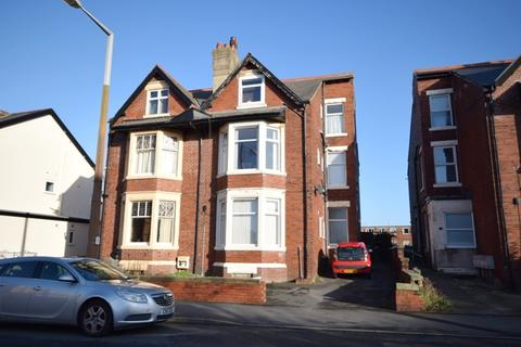 1 bedroom flat to rent - St Andrews Road South, Lytham St Annes, FY8
