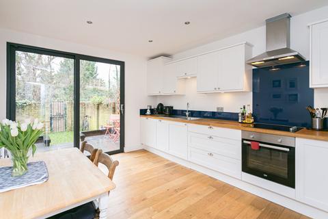 2 bedroom flat for sale - Ellison Road, Streatham