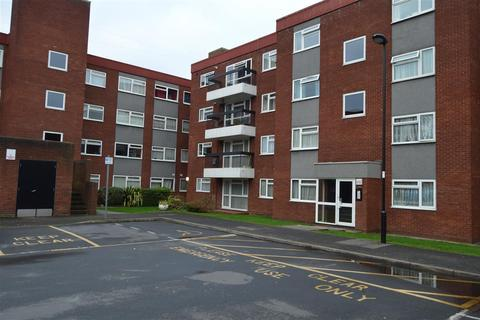 2 bedroom apartment to rent - Grange Gardens, Southgate