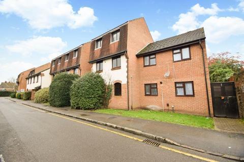2 bedroom flat for sale - Victoria Street, Slough, SL1