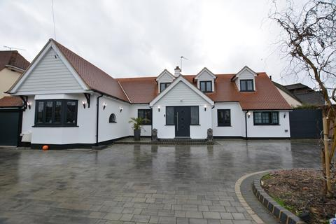 4 bedroom chalet for sale - Ardleigh Green, Hornchurch RM11