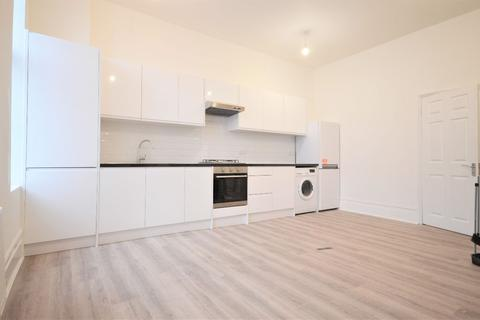 2 bedroom flat to rent - Churchfield Road, Acton Central
