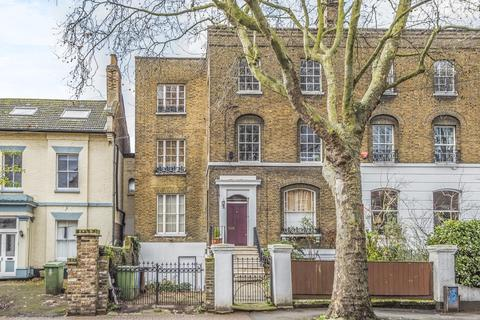 2 bedroom flat for sale - Asylum Road, Peckham