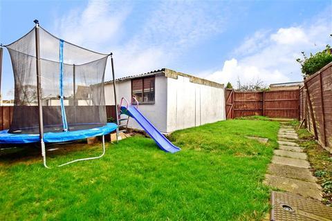 2 bedroom semi-detached house for sale - Holmwood Road, Ashford, Kent