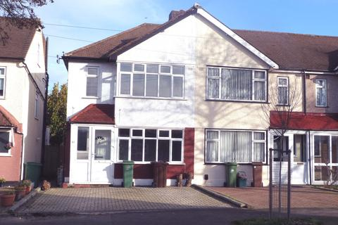3 bedroom semi-detached house to rent - WESTFIELD ROAD SM1