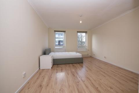 4 bedroom townhouse to rent - KEMPS DRIVE, London, Greater London. E14