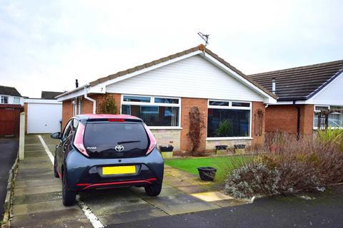 2 bedroom detached bungalow for sale - Inglewood Close, Warton, PR4 1DX