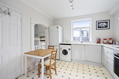 Studio to rent - Dawes Road, Fulham, London, SW6