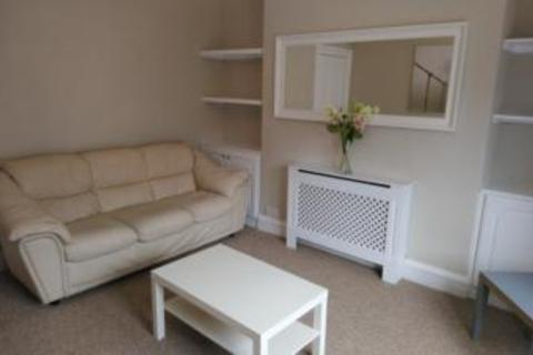 2 bedroom flat to rent - Balmoral Place, First Floor Left, AB10