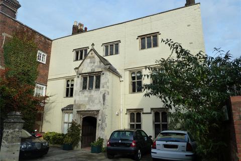 2 bedroom flat - Brown Street, Salisbury, Wiltshire, SP1