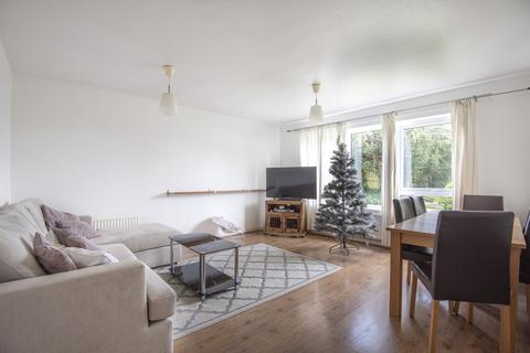 2 bedroom flat to rent - Whitehaven Close BR2
