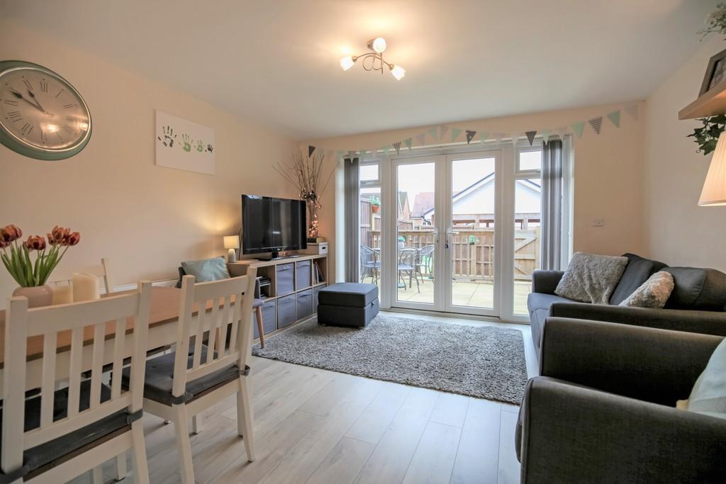 Ellis Road, Broadbridge Heath 4 bed semi-detached house ...