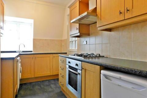 3 bedroom apartment to rent - Rosebery Gardens, London, N8