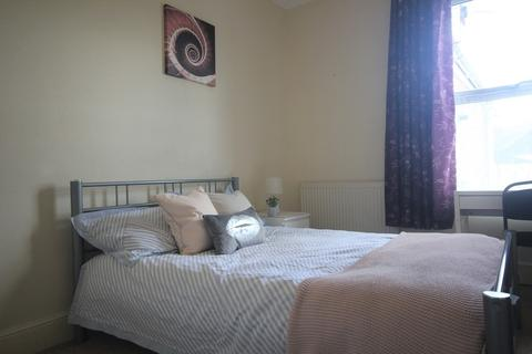 4 bedroom terraced house to rent - West Hill Road, Mutley, Plymouth
