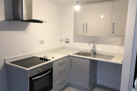 Studio to rent - Princess Road West, Leicester