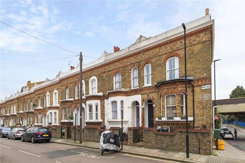 4 bedroom terraced house - Mayall Road, London, SE24
