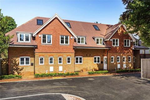 4 bedroom terraced house for sale - Blackborough Road, Reigate, Surrey, RH2