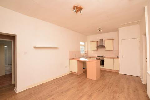 2 bedroom flat for sale - Regent Street, Runcorn