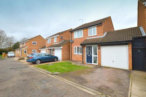 3 bedroom detached house for sale - Sheringham Close, Warden Hills, Luton, Bedfordshire, LU2 7AN