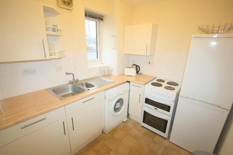 Studio to rent - Ringwood Gardens, Isle of Dogs, London, E14 9WY