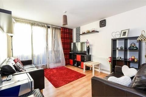2 bedroom flat for sale - Spencer Way, London E1