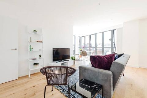 2 bedroom flat for sale - Waleorde Road, London, SE17