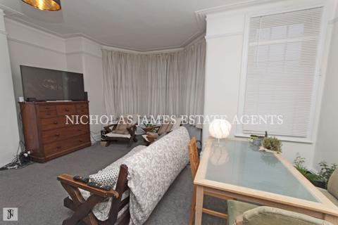 2 bedroom apartment to rent - Conway Road, Southgate, London N14