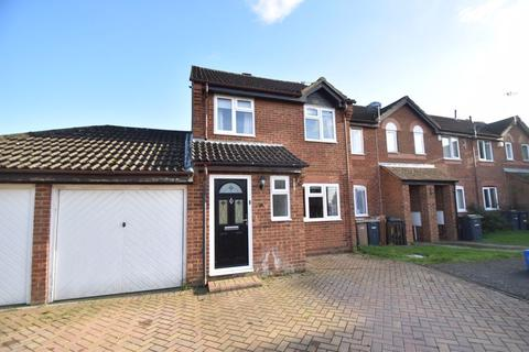 3 bedroom end of terrace house to rent - 27 Kidner Close, Luton