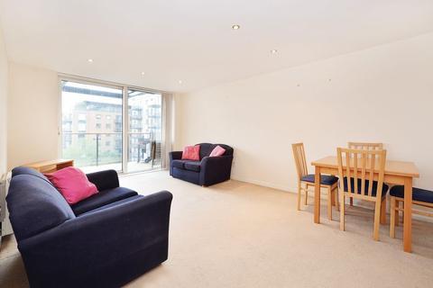2 bedroom apartment to rent - Berglen Court, Limehouse, E14