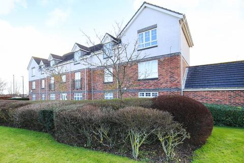 2 bedroom apartment for sale - IMMACULATELY REFURBISHED TWO BEDROOM GROUND FLOOR APARTMENT OFFERED WITH NO UPPER CHAIN AND VACANT POSSESSION!!!