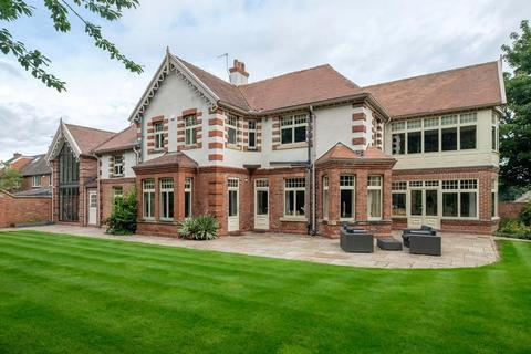 6 bedroom detached house for sale - Rare Opportunity To Purchase This Period, Quintessentially British, Durham City Mansion