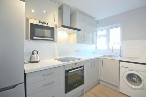 2 bedroom flat to rent - Croft Court, Brickwall Lane, Ruislip