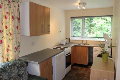 Studio to rent - Vincent Road, Luton