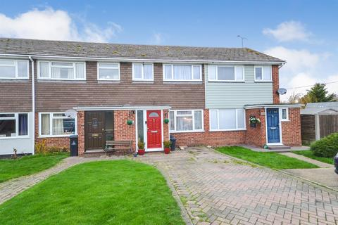 3 bedroom terraced house for sale - Garden Close, Althorne