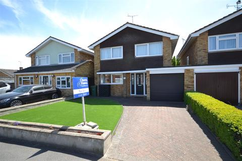 4 bedroom detached house for sale - Maple Way, Burnham-On-Crouch