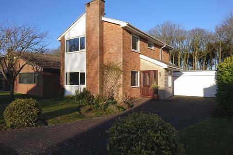 3 bedroom detached house to rent - Hall Park Drive, Lytham St Annes, Lancashire