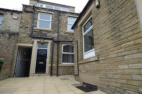 1 bedroom house share to rent - Trinity Street, Huddersfield