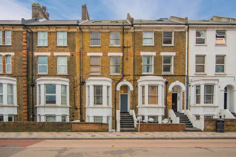 1 bedroom flat to rent - St John's Hill, SW11